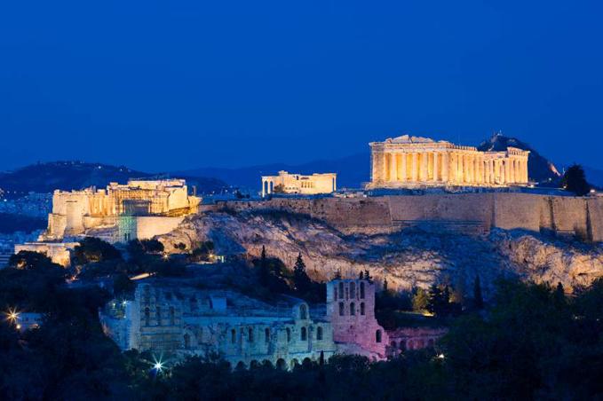 Akropolis på natten
