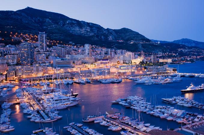 Monaco om natten